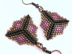 Perlenarbeiten Peyote Dreieck Ohrringe Perlen von MadeByKatarina, $16.00