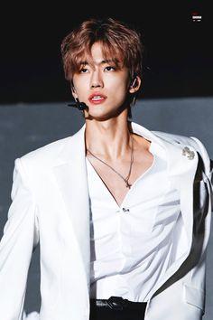 He is so fucking handsome Jisung Nct, Jaehyun, Winwin, Taeyong, Nct 127, K Pop, Saranghae, Nct Dream Jaemin, Yoongi