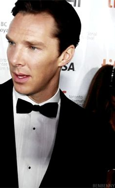 Benedict Cumberbatch gif. How can so simple a motion be so mesmerizing?!