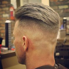 Huge collection of best taper fade haircut styles for men. A cool combination of classic taper cut and fade haircut is here to get you rocking. Undercut Pompadour, Undercut Hairstyles, Hairstyles Haircuts, Haircuts For Men, Men Undercut, Barber Haircuts, Fade Haircut Styles, Taper Fade Haircut, Hair And Beard Styles