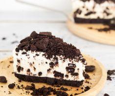 No Bake Oreo Cheesecake Recipe Cheesecake Oreo Sin Horno, Baked Oreo Cheesecake Recipe, Cheesecake Calories, Mint Chocolate Cheesecake, Turtle Cheesecake Recipes, Cookies And Cream Cheesecake, Pumpkin Pie Cheesecake, Biscuit Oreo, Baking Recipes