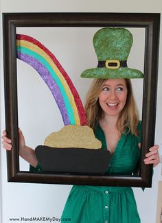 Transform everyone into a cute leprechaun. A fun craft using a picture frame with some painted cardboard pieces attached to it. I am thinking that this project could also be done with other holiday themes too !