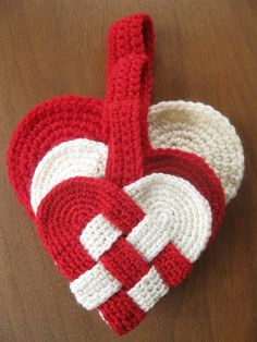 free Danish heart crochet pattern