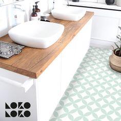 Vinyl sticker for home floor decor with calm mint circles mosaic Mint Bathroom, Bathroom Renos, Modern Bathroom, Family Bathroom, Design Bathroom, Small Shower Room, Small Showers, Mosaic Cafe, Ideas Baños