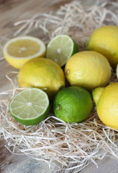 limones-limas Pisco Sour, Fresh Vegetables, Fruit, Eat, Healthy, Food Fresh, Gastronomia, Christmas Drinks Alcohol, Appetizer Recipes