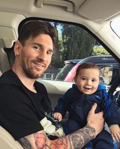 Lionel Messi With Son : Lionel Messi Wit Messi Art, Lional Messi, Messi Style, God Of Football, Football Quotes, Football Stuff, Soccer Quotes, Lionel Messi Family, Cr7 Junior
