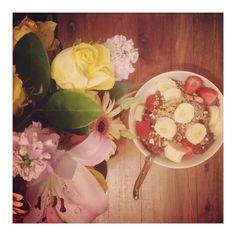 #repost @laurawellsmodel breakfast for dinner. Sometimes you just gotta break the rules ✌️ #ilovemeko #healthydinner #cleaneating #vegan #whatveganseat #wholefoods #nourishment #banana #strawberry #muelsi #coconutwater #superfood #mekoaustralia #vegetarian #picoftheday #smile #fashion #fun #instadaily #food #beauty #instalove #good #sweet #breakfast #dinner #awesome #best
