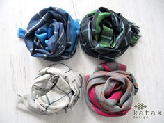 Pañuelo de fina lana y seda con cuadros y rayas de color. Fular estrecho de cuello. Pañuelo con diseño tartan
