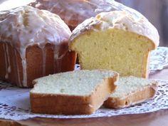 Honey Lemon Pound Cake With Lemon Icing Starbucks Lemon Pound Cake, Yummy Treats, Delicious Desserts, Yummy Food, Lemon Yogurt, Honey Lemon, Lemony Lemon, Caramel, Lemon Icing