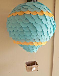 Dos aire caliente globo linterna decoración naranja y turquesa