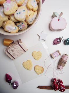 Gastgeschenk Winterhochzeit - Yarn Around The World Cookies, Desserts, Inspiration, Food, Small Winter Wedding, Christmas Meals, Host Gifts, Christmas Gifts, Christmas Time
