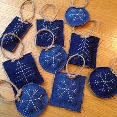 Sashiko Embroidery, Japanese Embroidery, Hand Embroidery, Jean Crafts, Denim Crafts, Boro, Sewing Crafts, Sewing Projects, Japanese Quilts