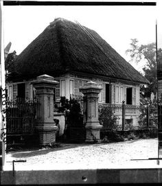 A nice Filipino Home, early Centry, Philippines Filipino Architecture, Philippine Architecture, Colonial Architecture, Historical Architecture, Architecture Design, Philippines Culture, Manila Philippines, Filipino House, Philippine Art