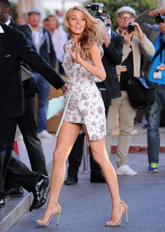 blake lively at the cannes film festival Blake Lively Street Style, Mode Blake Lively, Look Fashion, Girl Fashion, Fashion Outfits, Womens Fashion, Fashion Shoes, Estilo Gossip Girl, Gossip Girl Outfits