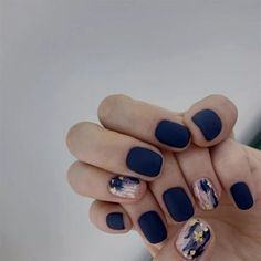 #Followme #BurgundyColors ❤️ 10+ Trendy Nail Art For Short Nails For Beginners To Do At Home Without Tools In Quarantine 💚💙💜 #Click Ideas Of white oval nails nail strengthener tet nails acrilyc nails impress nails arclic nails diwali nails pusheen nail daisy nails sumer nails Fake Nails With Glue, Glue On Nails, Cute Acrylic Nails, Acrylic Nail Designs, Matte Nail Art, Short Nails Acrylic, Shellac Nail Art, Nail Polish, French Nails