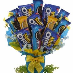 It's the most wonderful time of the year... for parents! Give your little one (or treat yourself) to a bouquet of the world's best selling cookie! This Oreo Cookie Bouquet is a stunning, dunkable treat that is great a great gift for anyone! #oreo #cookie $59.99 http://www.bisketbaskets.com/oreo-cookie-bouquet.html