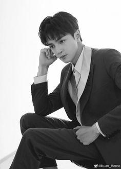 Guang Hong, Meteor Garden 2018, Asian Boys, Chen, Kdrama, Daddy, Actors, Popular, Long Hair Styles