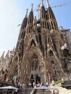 lady in black: One day in Barcelona  #barcelona #spain #cataluna #catalansko #spanielsko #visitspain #visitacataluna #costabrava #traveltips #traveleurope #travel #travelblogging #visiteurope #placestogo #oldtown #placestogo #placestosee #gaudi #sagradafamilia #espana #espanaturismo #turismo #europa #holiday #holidaydestination #vacation #cathedral #catedral #architecture