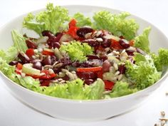 A to Z - food and travel: Salata cu boabe de fasole Healthy Salad Recipes, Vegetarian Recipes, Cold Vegetable Salads, Romanian Food, Guacamole, Cobb Salad, Cabbage, Food And Drink, Meals