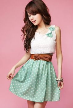 Lace Polka Dot Dress in Green Tea