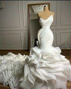 Mermaid Sweetheart, Sweetheart Wedding Dress, Dream Wedding Dresses, Bridal Dresses, Dramatic Wedding Dresses, Couture Wedding Gowns, Stunning Wedding Dresses, Expensive Wedding Dress, Civil Wedding Dresses