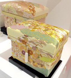"Interior Chabako 1K size. Silk Hand-dyed ""Kyo Yuzen"" fabric from Kyoto. Exquisite work, depicting Heian Period elegance by Yuzen Dye master, Hiroshi Fujii. #chabako #japan #interior #art #kimono #インテリア茶箱"
