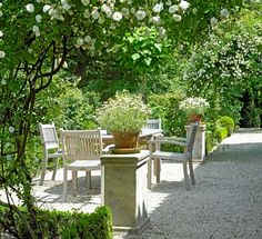 Gravel Patio. Gardens. Outdoor Living.  Loverlij Snellegem Jabbeke