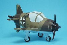 WW2`s Luftwaffe Dornier 335A In SD Style - by Break Even - via Pepakura Gallery ---        A dinky paper model of a German airplane of WW2, in SD Style (super deformed style), by Japanese designer Break Even, via Pepakura Gallery.