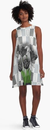 Black Tulips, Carousel, My Design, Collections, Women's Fashion, Summer Dresses, Black And White, Lady, People