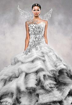Saia Plissada: Vestido de Noiva ou Uma Obra de Arte?