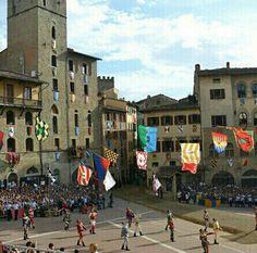 http://lavilladolce.wordpress.com/2014/06/07/saturday-sights-arezzo-tuscany/ Giostra del Saracino, Arezzo, Tuscany