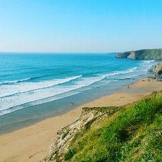Waves rolling in at Watergate Bay earlier this evening #watergate #watergatebay #mywatergatebay #newquay #cornwall #kernowfornia #southwest #county #cornish #life #love #beach #sea #ocean #waves #surf #sun #sand #summer #blue #cliffs #blog #blogger #ifollowcornwall #igerscornwall #love_cornwall #lovecornwall #maidenincornwall #vsco #vscocam