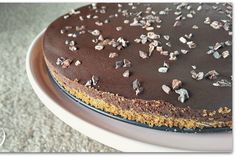 A no-bake, vegan cheesecake that you can make with nut-free options!
