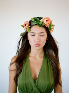 love this flower crown by flowerwild, photo by Elizabeth Messina