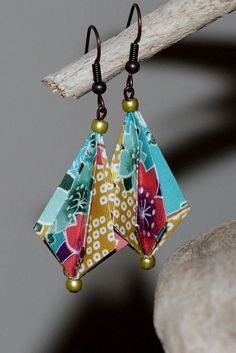 Origami for Everyone – From Beginner to Advanced – DIY Fan Paper Earrings, Paper Jewelry, Fabric Jewelry, Paper Beads, Jewelry Crafts, Origami Love Heart, Origami Star Box, Origami Fish, Origami Paper