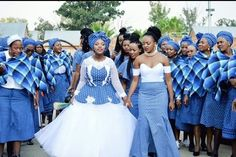 The weekend with shweshwe dresses 2019 Lucky for all of us,abundant appearance doesn't accept to be complicated afflictive which is why accidental shweshwe Setswana Traditional Dresses, South African Traditional Dresses, Traditional Wedding Attire, Traditional Weddings, African Bridesmaid Dresses, African Wedding Attire, Wedding Bridesmaid Dresses, African Weddings, African Attire