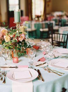 elegant table setting. #tabledecor #weddingtable #reception