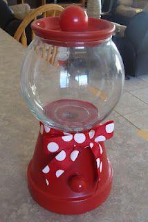 DIY Gumball (or anything else you want) machine -- Monday Freebie and Monday Made-It -- Confessions of a Teaching Junkie