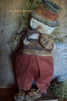 Primitive Handmades Mercantile: The Red Cupboard.I adore this snowman! Primitive Country Christmas, Primitive Snowmen, Christmas Past, Primitive Crafts, Primitive Christmas, Christmas Snowman, Winter Christmas, Vintage Christmas, Primitive Doll