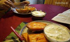 Jednoduché chutné pečené batáty s uhorkovým šalátom (fotorecept)