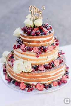 vintage christmas Naked Cake Hochzeitstorte, Hochzeitstorte Naked Cake, Vintage Hochzeitstorte wedding cakes cakes elegant cakes rustic cakes simple cakes unique cakes with flowers Fall Wedding Cakes, Diy Wedding Bouquet, Wedding Cakes With Cupcakes, Wedding Blog, Wedding Dj, Wedding Makeup, Wedding Photos, Wedding Ideas, Wedding Dresses