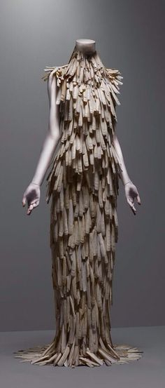 Alexander McQueen Savage Beauty Exhibition