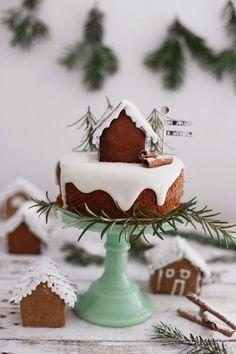 Hoje vamos mostrar algumas ideias de bolos natalinos. Imagens do Pinterest. Lindas ideias e muita inspiração! Bjs, Fabiola Teles.  ImagemPinterest  Imagem Pinterest.  I...