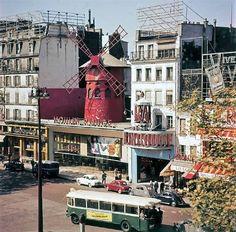 """""""Le Moulin Rouge"""" Cabaret, Boulevard de Clichy, Paris XVIII, 1960s Cabaret, Roads And Streets, Old Paris, Paris Photos, Antique Photos, Continents, Location History, Paris France, Places To Go"""