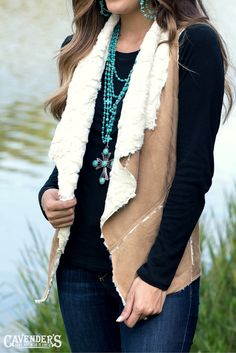 This faux fur vest is adorable with jeans or leggings! Pair it with turquoise jewelry for a gorgeous pop of color. This faux fur vest is adorable with jeans or leggings! Pair it with turquoise jewelry for a gorgeous pop of color. Vest Outfits For Women, Fur Vest Outfits, Western Outfits Women, Rodeo Outfits, Country Outfits, Clothes For Women, Work Outfits, Country Wear, Cowboy Outfits