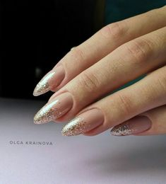 Nail art Christmas - the festive spirit on the nails. Over 70 creative ideas and tutorials - My Nails Glitter Manicure, Nude Nails, Diy Nails, Glitter Fade Nails, Manicure Ideas, Prom Nails, Long Nails, French Nails, French Manicures