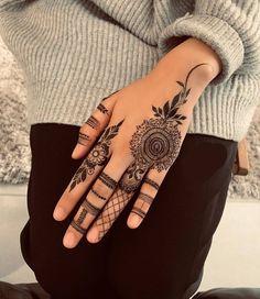 Top 50 Best Easy Mehndi Design Images and Photos - Mehndi Artist Delhi Simple Mehndi Designs Images, Pretty Henna Designs, Modern Henna Designs, Henna Tattoo Designs Simple, Finger Henna Designs, Henna Art Designs, Indian Henna Designs, Mehndi Designs 2018, Mehndi Designs For Girls