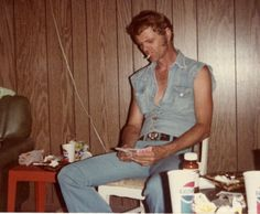 """rootsrockweirdo: """" Jerry Reed at Junction City, Ky. - 1976 You think Jerry could've taken some of that guitar money and bought himself a new shirt? But still, denim on denim y'all! Outlaw Country, Country Boys, Killer Joe, Scotty Moore, Jerry Reed, Junction City, Smokey And The Bandit, Burt Reynolds, Grand Ole Opry"""