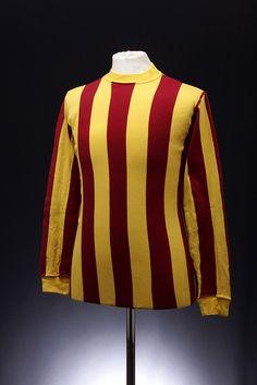 Bradford City Football Shirt (1968-1969)