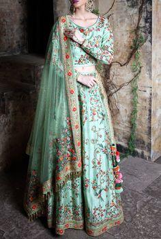 Product ID: Work Type: Weaving Saree Color: Lavender Blouse Color: Lavender Saree Fabric: Art Silk Blouse Fabric: Art Silk Saree Size: Metres Blouse Piece Size: Metres Blouse is delivered Unstitched Asian Wedding Dress Pakistani, Indian Bridal Wear, Punjabi Bride, Punjabi Suits, Bridal Mehndi Dresses, Bridal Lehenga, Lehenga Designs, Saree Blouse Designs, Choli Designs